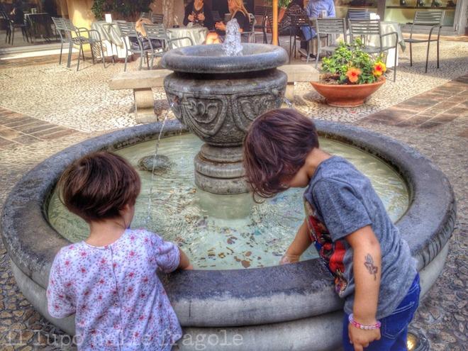 buttare_monetine_nelle_fontane